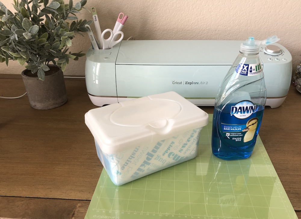 Cricut Hacks: How to Clean Your Mat the Easy Way